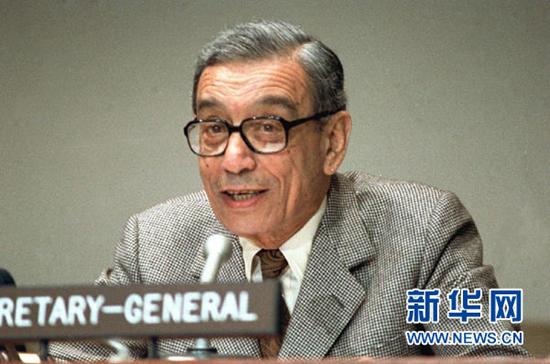这是联合国前秘书长加利1992年的资料照片。 新华社发